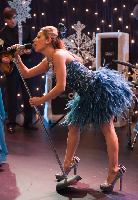 "GLEE: Sugar (Vanessa Lengies) performs in the ""Sadie Hawkins"" episode of GLEE airing Thursday, Jan. 24 (9:00-10:00 PM ET/PT) on FOX. ©2013 Fox Broadcasting Co. CR: Eddy Chen/FOX"