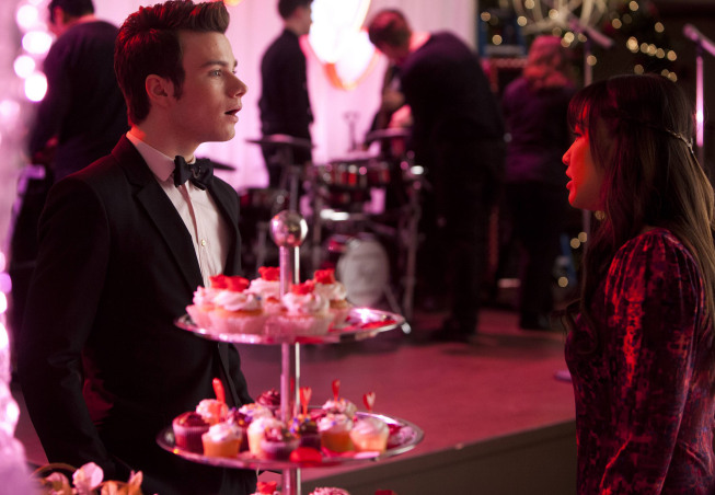 "GLEE: Kurt (Chris Colfer, L) and Tina (Jenna Ushkowitz, R) chat at Will and Emma's wedding in the ""I Do"" episode of GLEE airing Thursday, Feb. 14 (9:00-10:00 PM ET/PT) on FOX. ©2013 Fox Broadcasting Co. CR: Adam Rose/FOX"