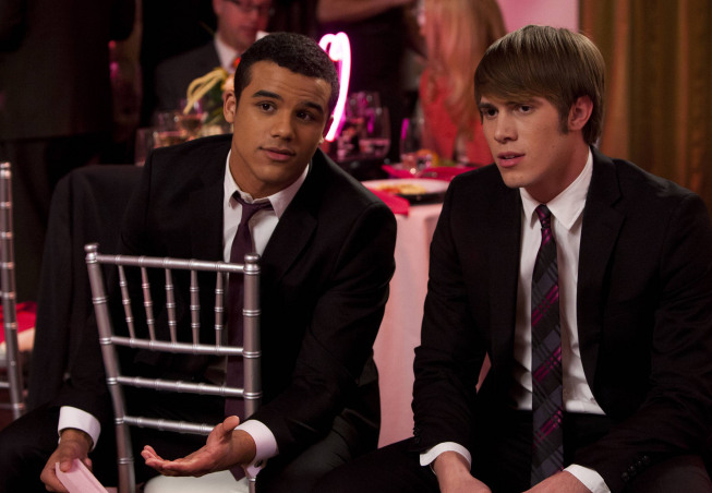 "GLEE: Jake (Jacob Artist, L) and Ryder (Blake Jenner, R) chat in the ""I Do"" episode of GLEE airing Thursday, Feb. 14 (9:00-10:00 PM ET/PT) on FOX. ©2013 Fox Broadcasting Co. CR: Adam Rose/FOX"